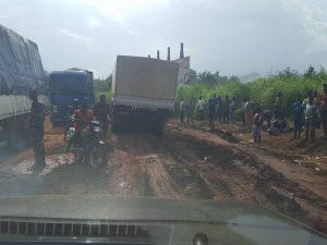 route entre Coyah et Conakry